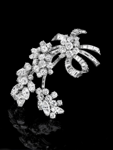 Bulgari diamond brooch